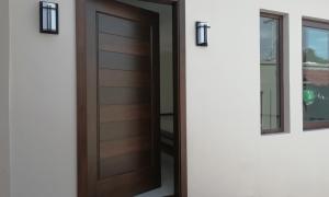 Aprende a reforzar la seguridad de tu puerta principal